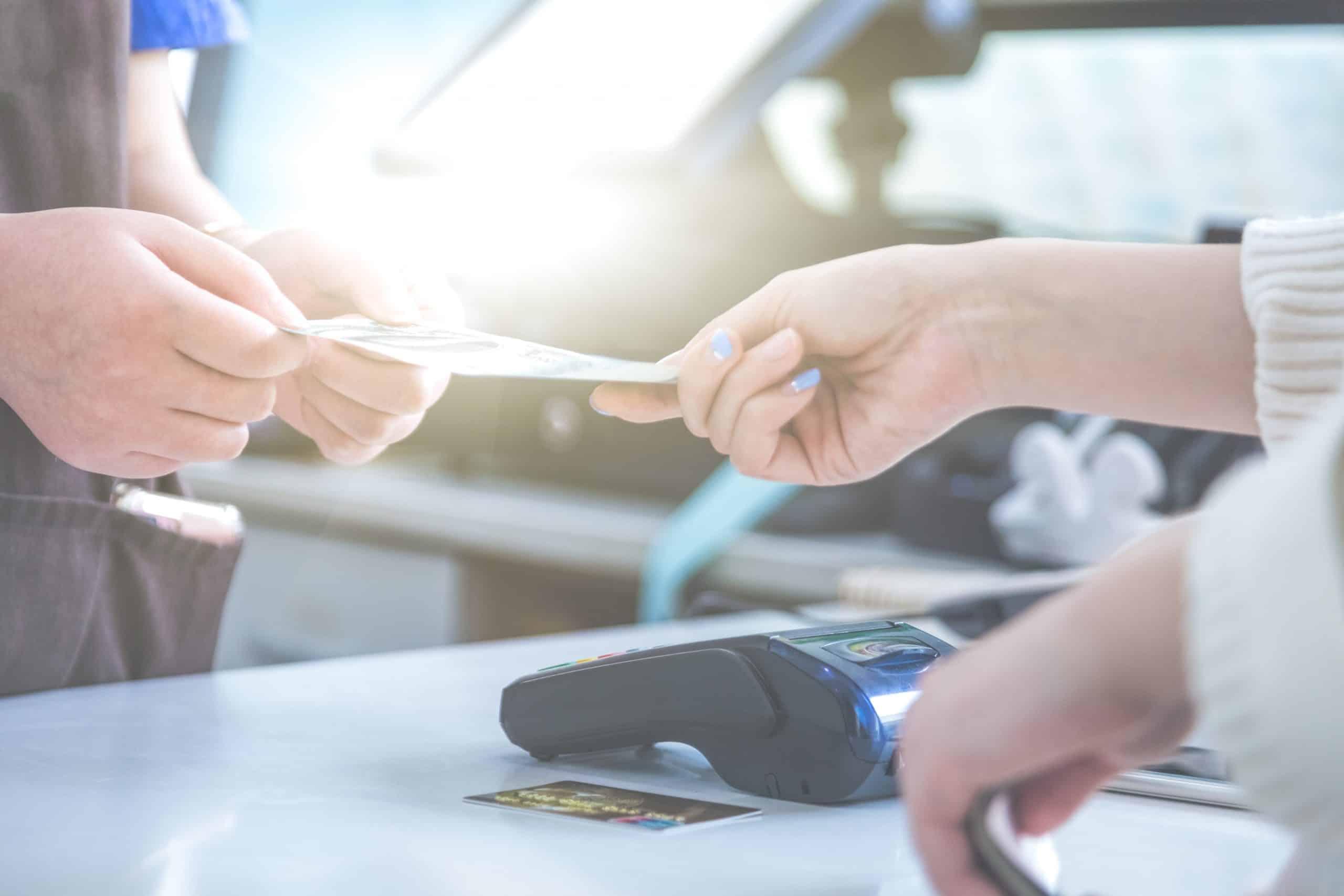 platba kartou v obchode